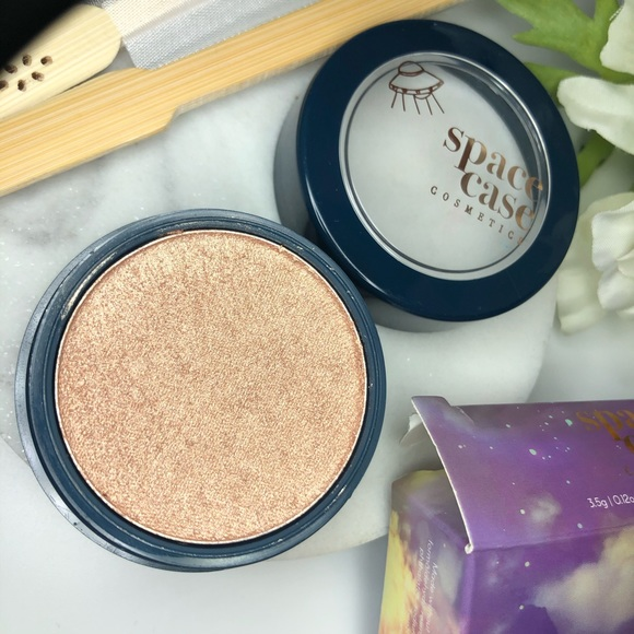 New in box Highlighter